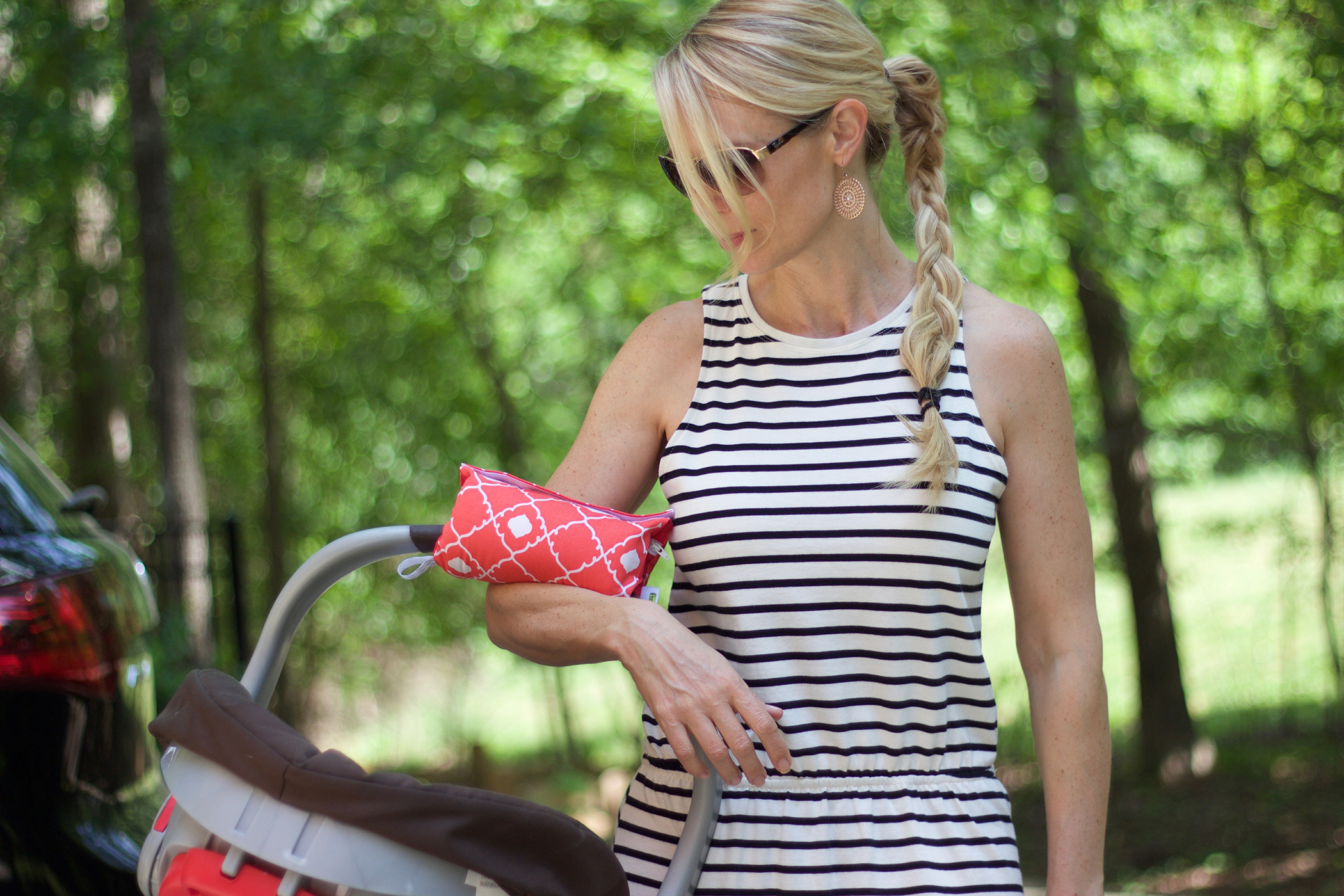 Holding Pattern: Pad for Baby Car Seat Handle is a Relief for Moms